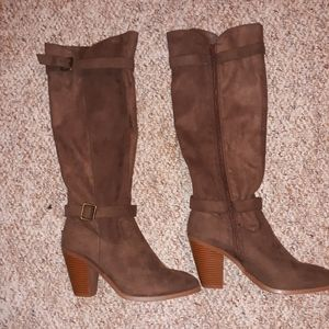 NEW Dark brown boots(Closet Sale Everything Cheap)